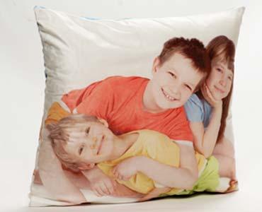 cuscino in raso personalizzato con foto di bambini