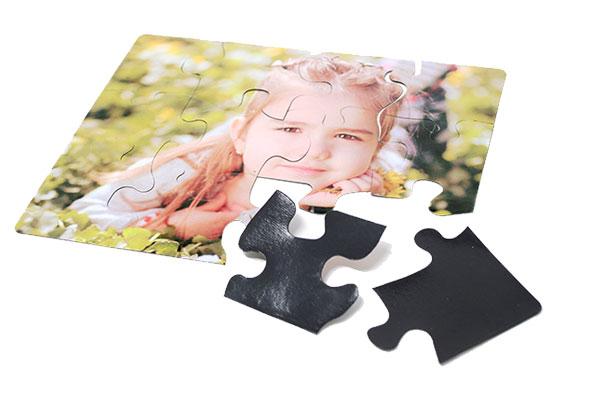 Puzzle magnetico
