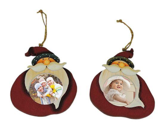 decorare ingresso casa con addobbo natalizio in legno