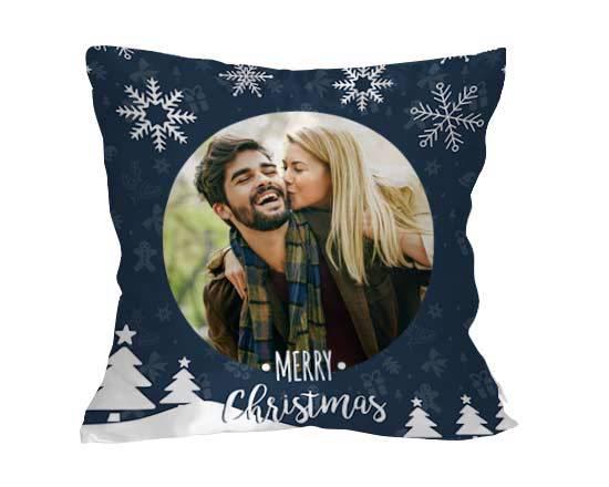 decorare casa con cuscino grafica natalizia